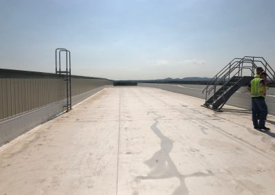 New Commercial Flat Roof with Contractors